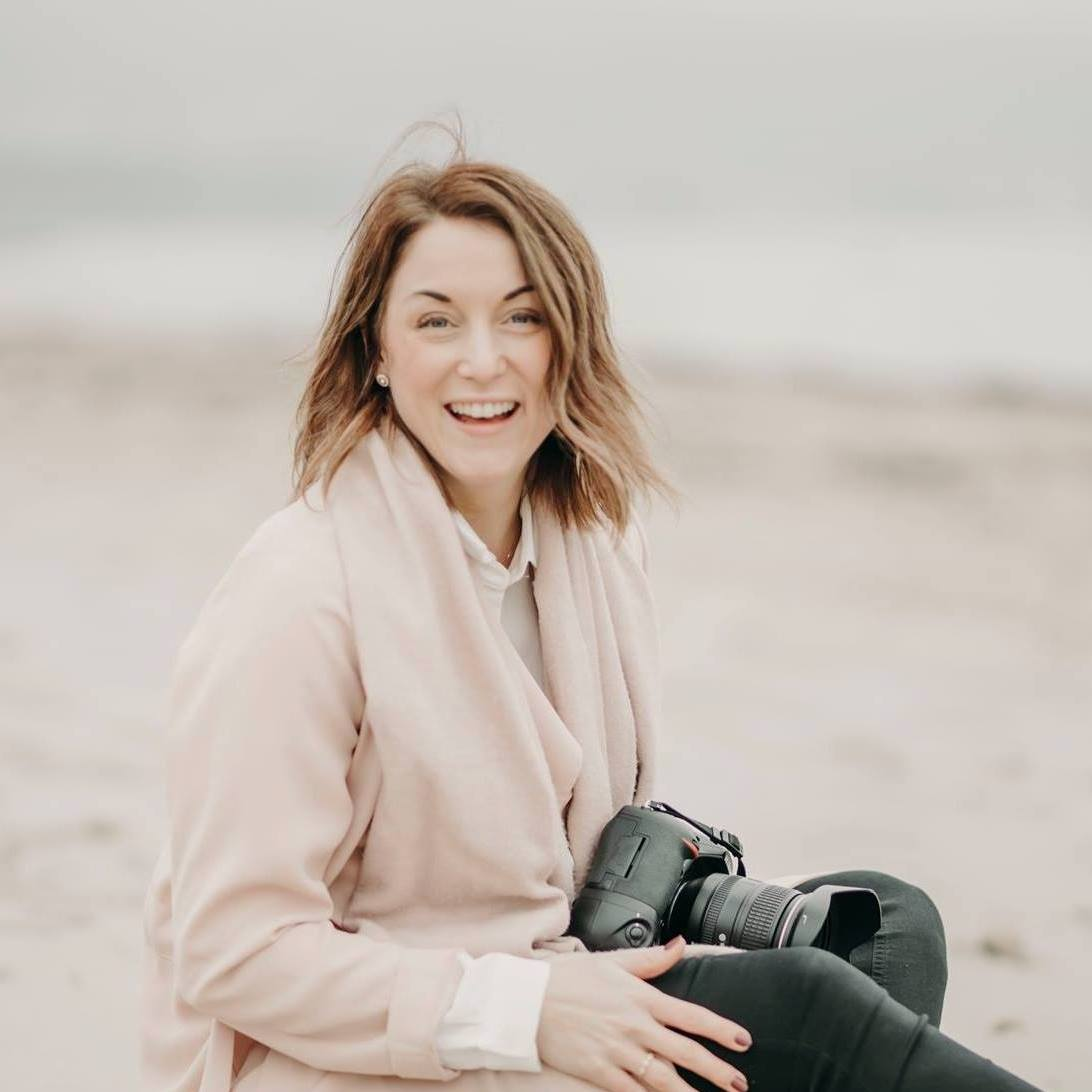 Viktoria Olsson @goldenweddingstories